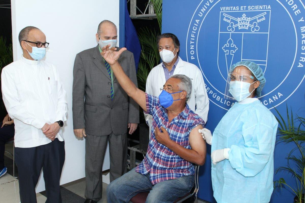 PUCMM apertura centro de vacunación COVID-19 en el campus de Santo Domingo