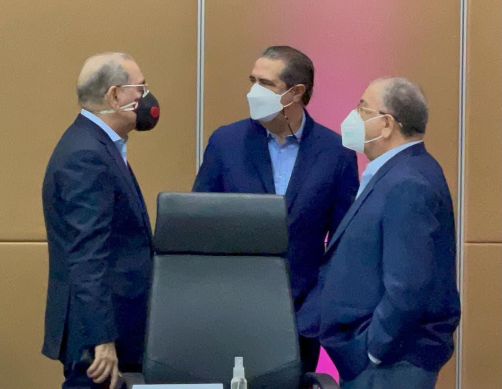 Euclides Sánchez responde tuit de Monchi Fadul con foto de Danilo y Javier García