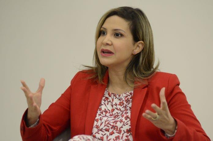 Rosalba Ramos rehúsa opinar sobre caso de Jean Alain Rodríguez