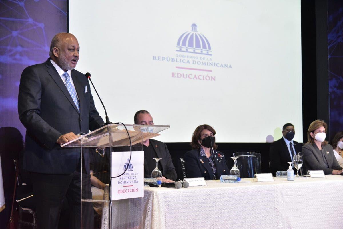 Ministro de Educación dice ADP dio visto bueno al protocolo de retorno a las aulas