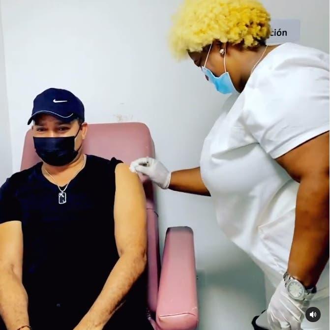 Frank Reyes es criticado por recibir vacuna anticovid