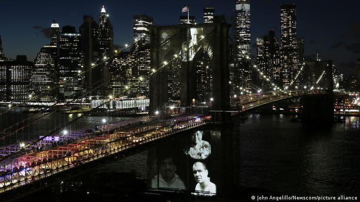 Nueva York: Proyectan imágenes de las víctimas de COVID-19