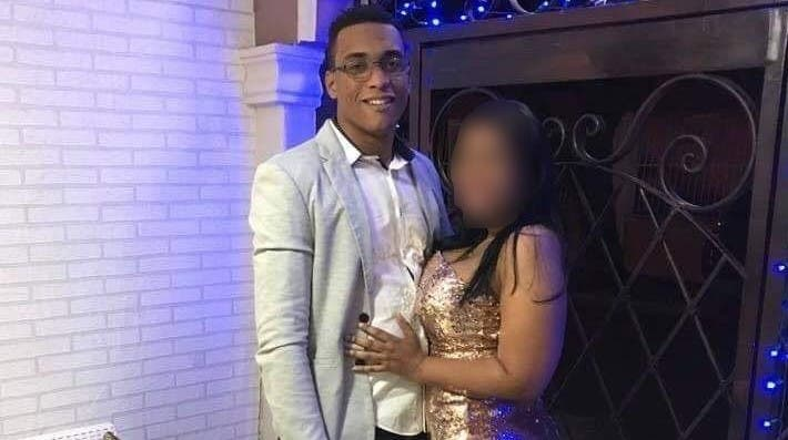 Tras dos días, hijo se entera padrastro mató a su madre y luego se atrincheró