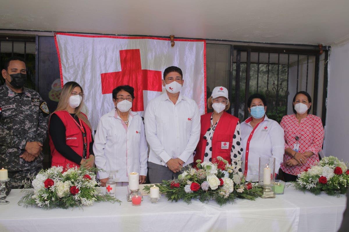 Juramentan a Bismarck Morales nuevo presidente Cruz Roja Dominicana filial 89
