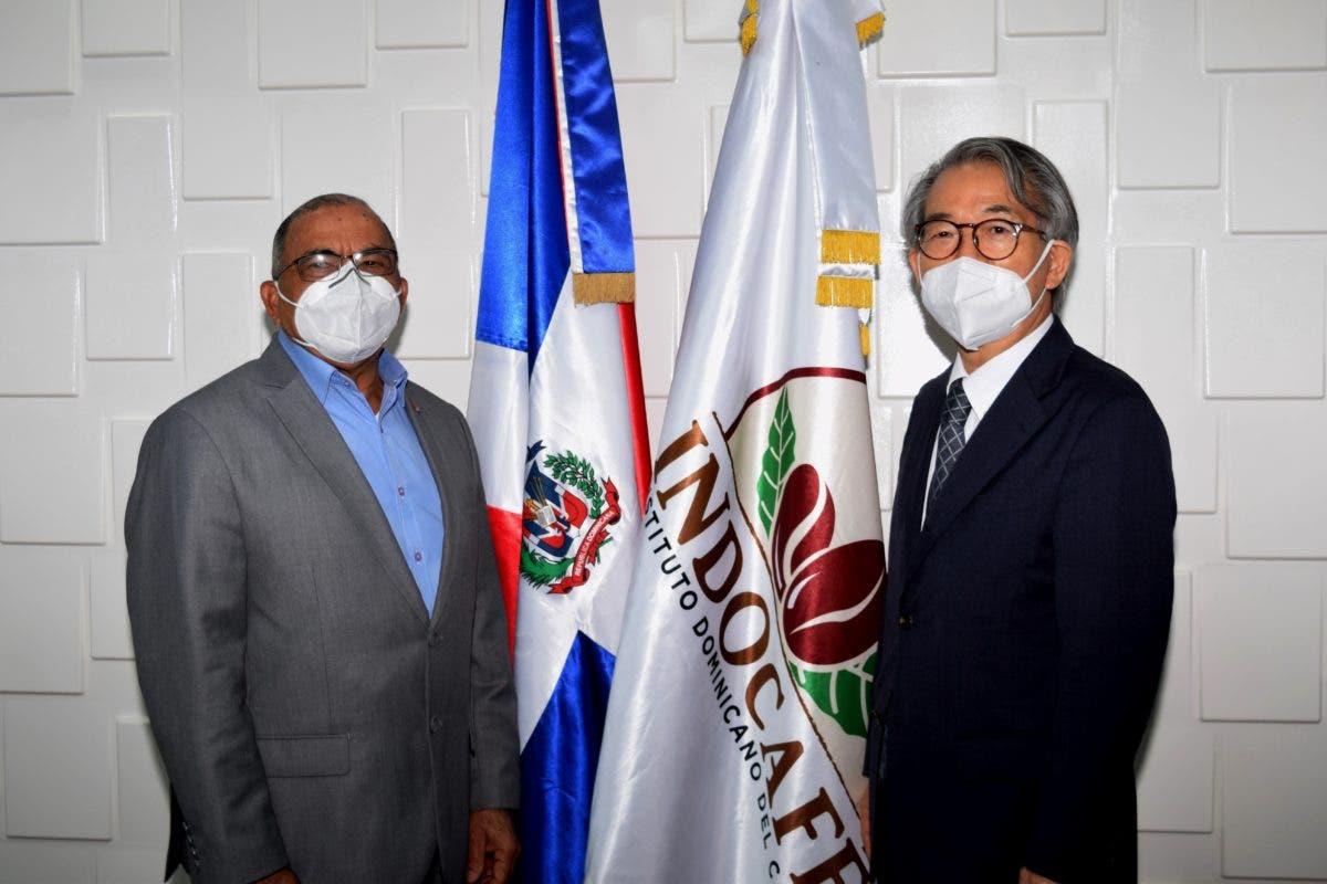 Director ejecutivo de Indocafé recibe visita de Embajador Japón en el país