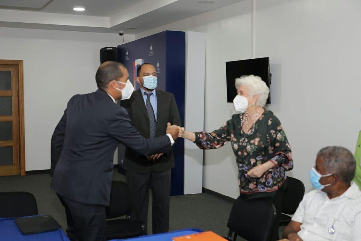Naciones Unidas entrega a la DIGEIG programa de educación y ética para servidores públicos