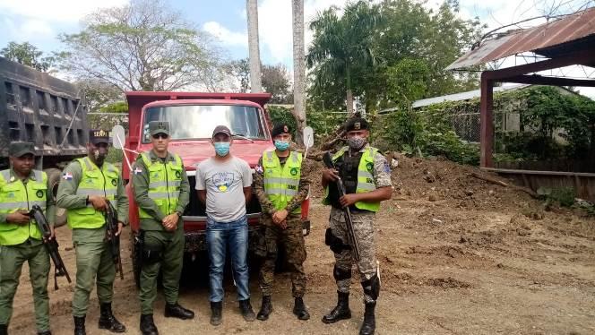 Medio Ambiente somete a la justicia a varias personas por extracción ilegal en ríos