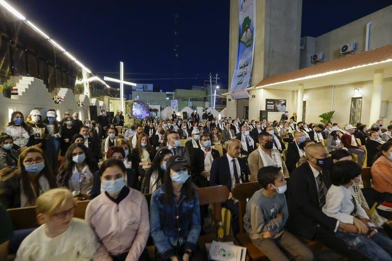 Papa y clérigo chií emiten mensaje de coexistencia pacífica en Irak