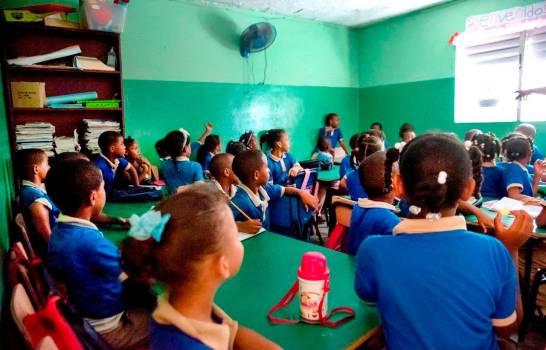 Ministerio de Educación: Estudiantes permanecerán entre 2 y 4 horas en las aulas