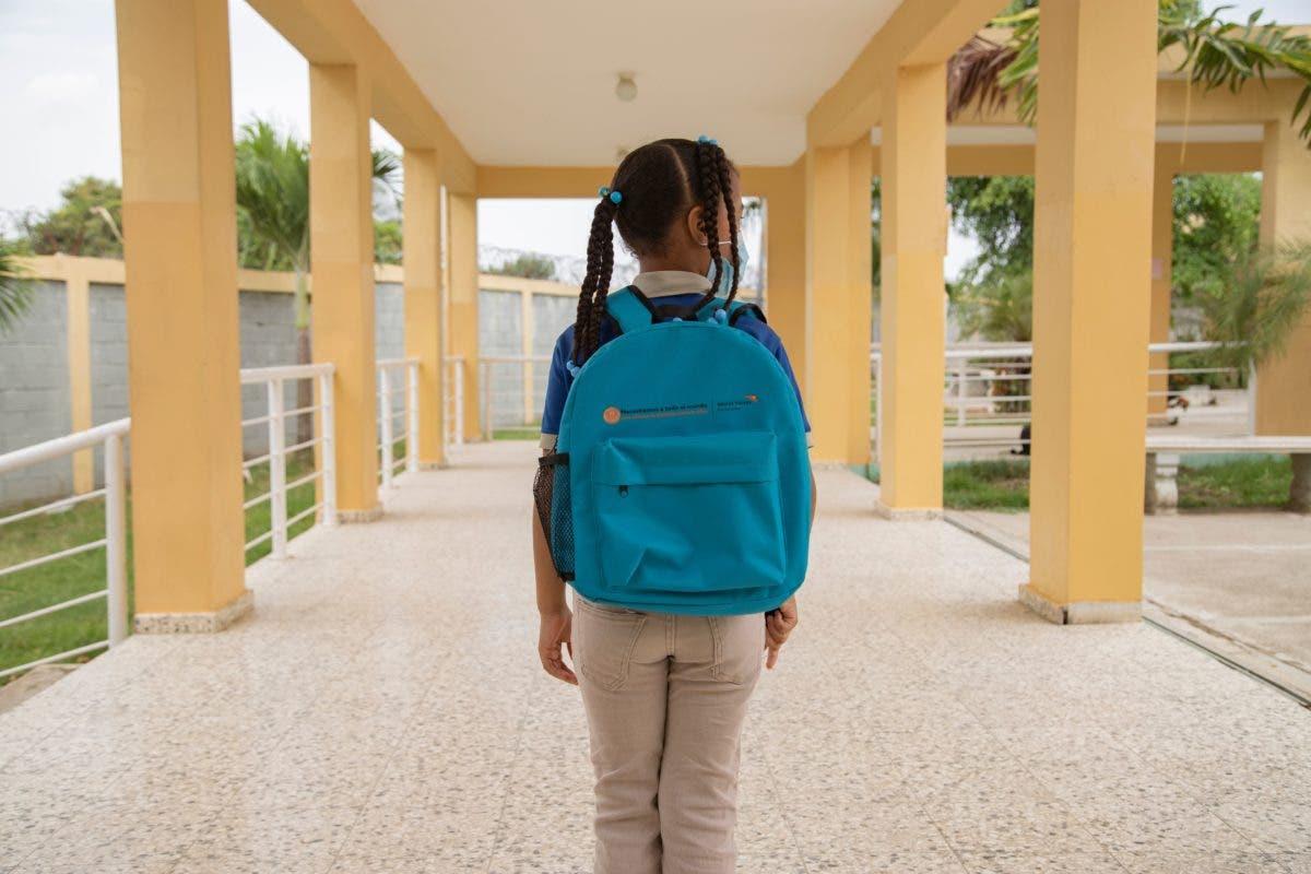Más del 60% de padres con hijos en nivel primario cree ellos no aprenden bajo modelo a distancia