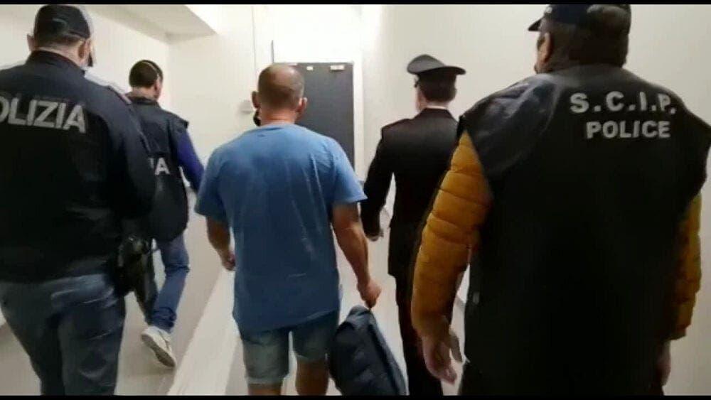 Italia repatría a un fugitivo mafioso de la 'Ndrangheta desde Santo Domingo