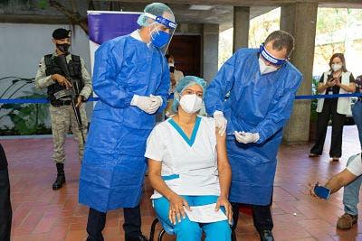 Salud Pública reanuda proceso de vacunación en la PUCMM