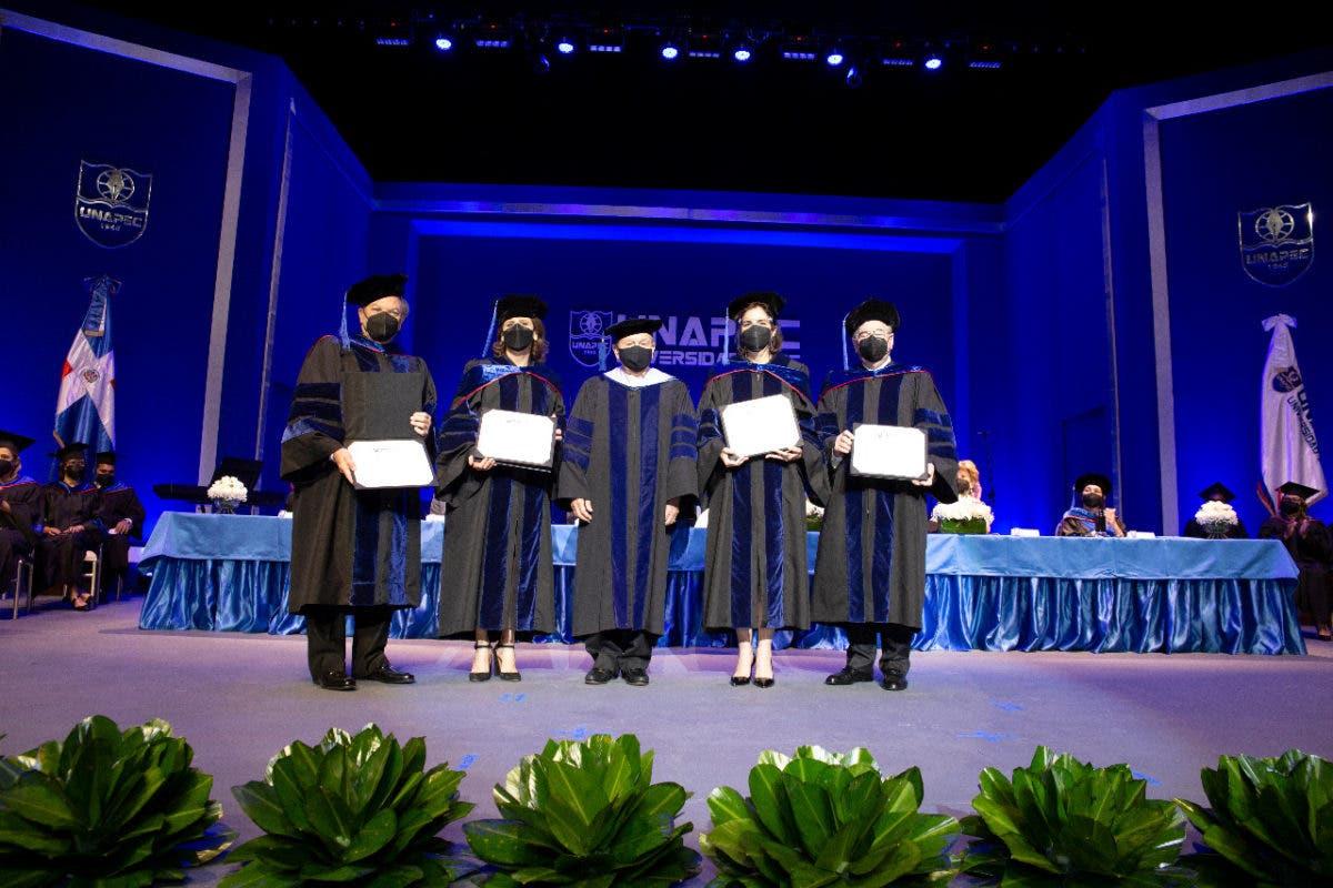 UNAPEC  inviste como doctores Honoris Causa a Frank Rainieri y a Elena Viyella de Paliza