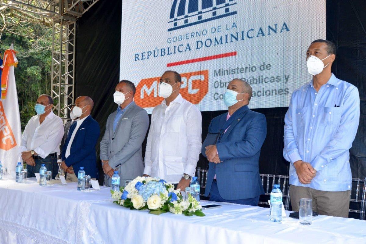 Inician trabajos de reconstrucción carretera Piedra Blanca-Maimón-Cotuí por monto de RD$ 632 millones