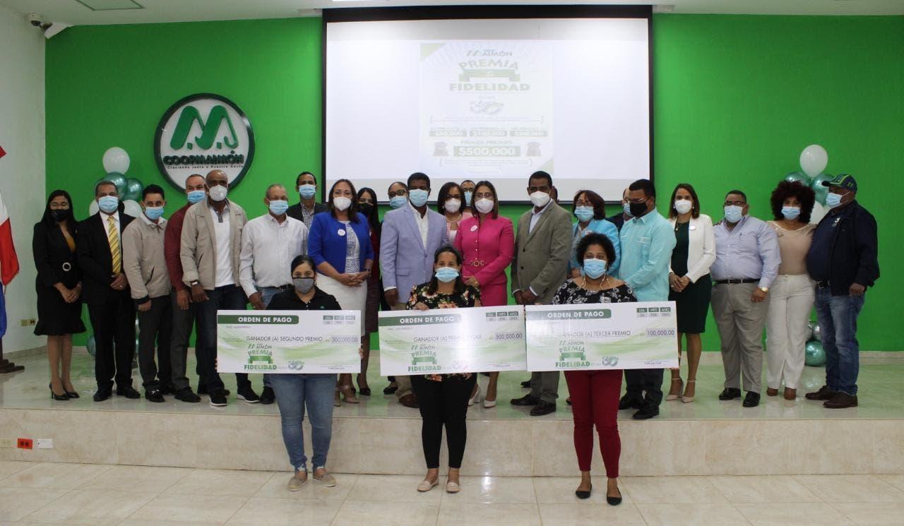 Coopmaimón entrega premios a socios  ganadores de sorteo