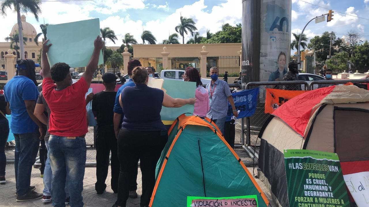 Activistas continúan lucha a favor de las tres causales