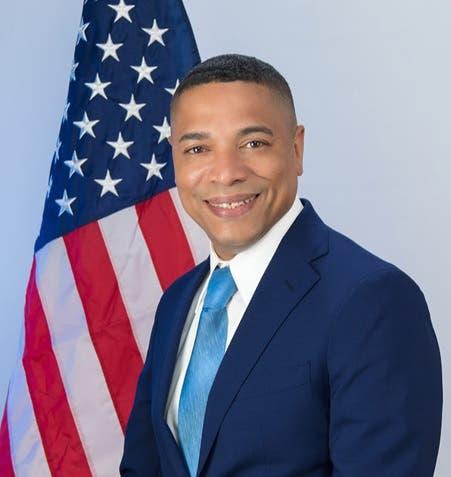 Asociación de tenientes NYPD endosa a Ravelo presidencia El Bronx