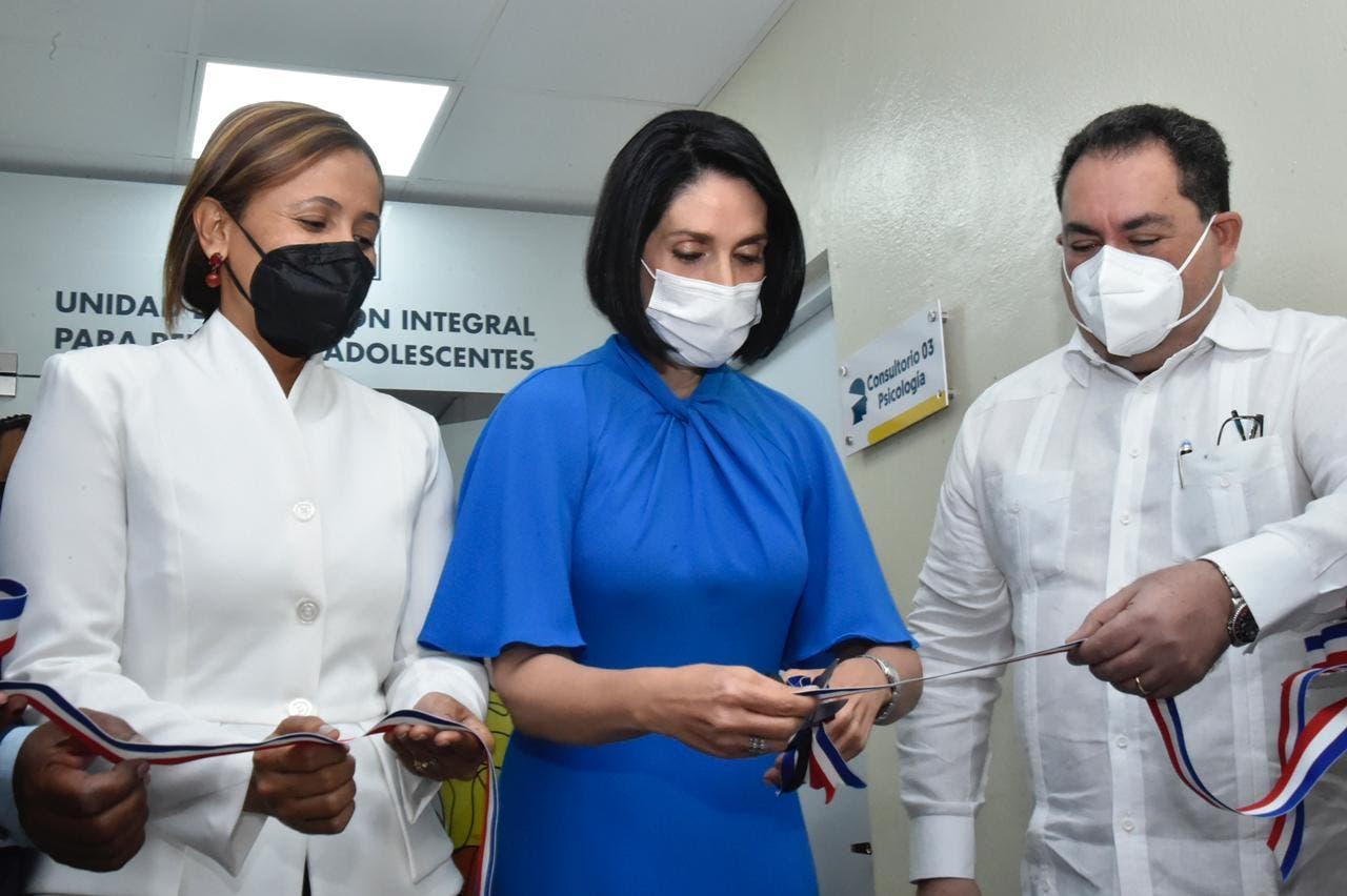 Primera dama inaugura Unidad Atención Integral de Adolescentes Hospital Juan Pablo Pina