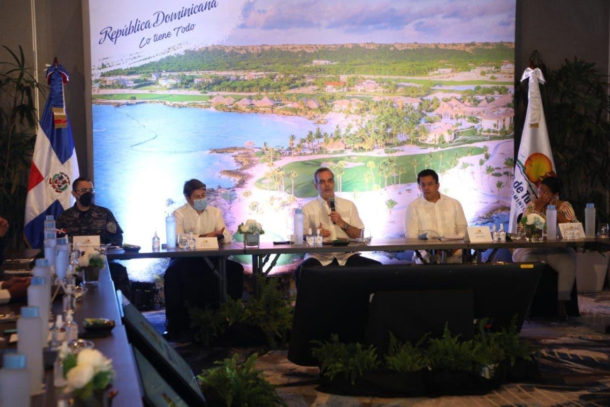 Abinader asegura República Dominicana ya inició recuperación en sector turismo