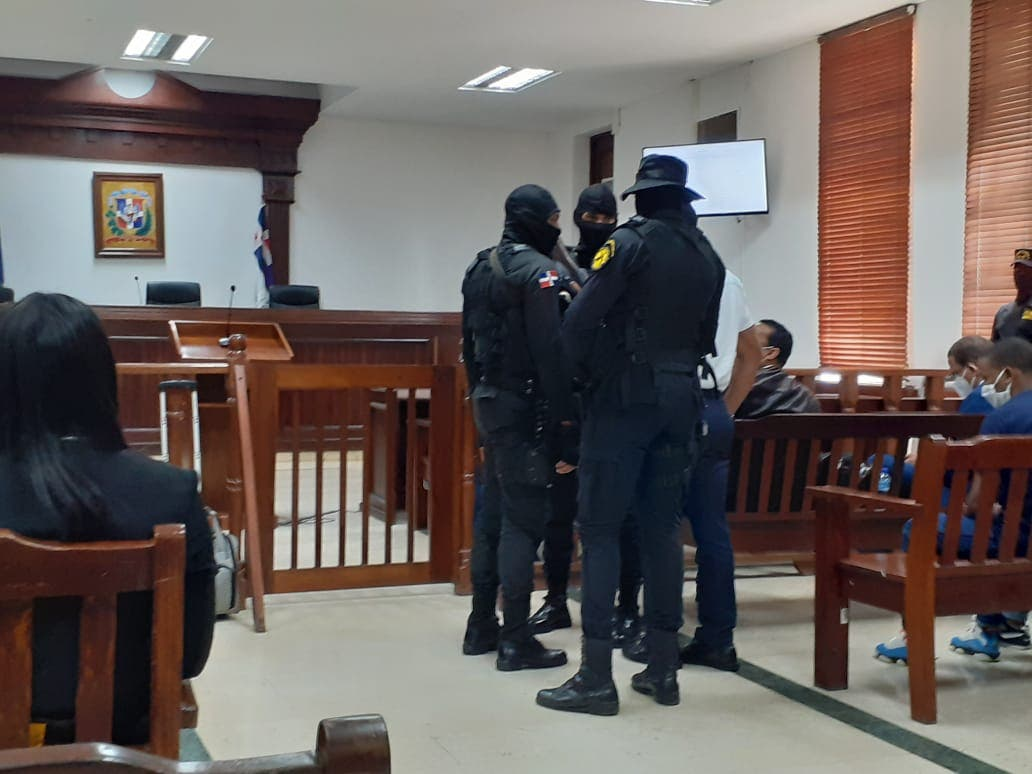 Tribunal sigue deliberando y concede receso para almuerzo