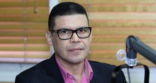 Fidel Santana tiene carta de presentación que supera a otros postulantes a defensor del pueblo,  dice Ricardo Nieves