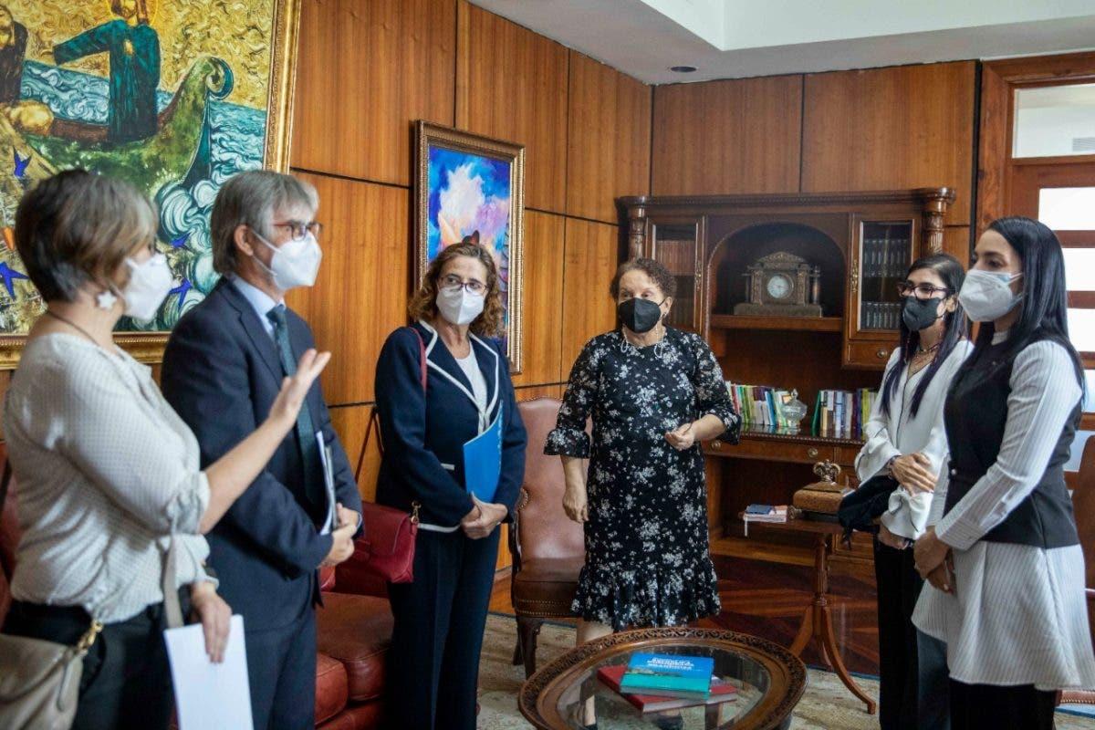 Miriam German, Olga Diná Llaverias y UNICEF coordinan acciones de protección a la niñez
