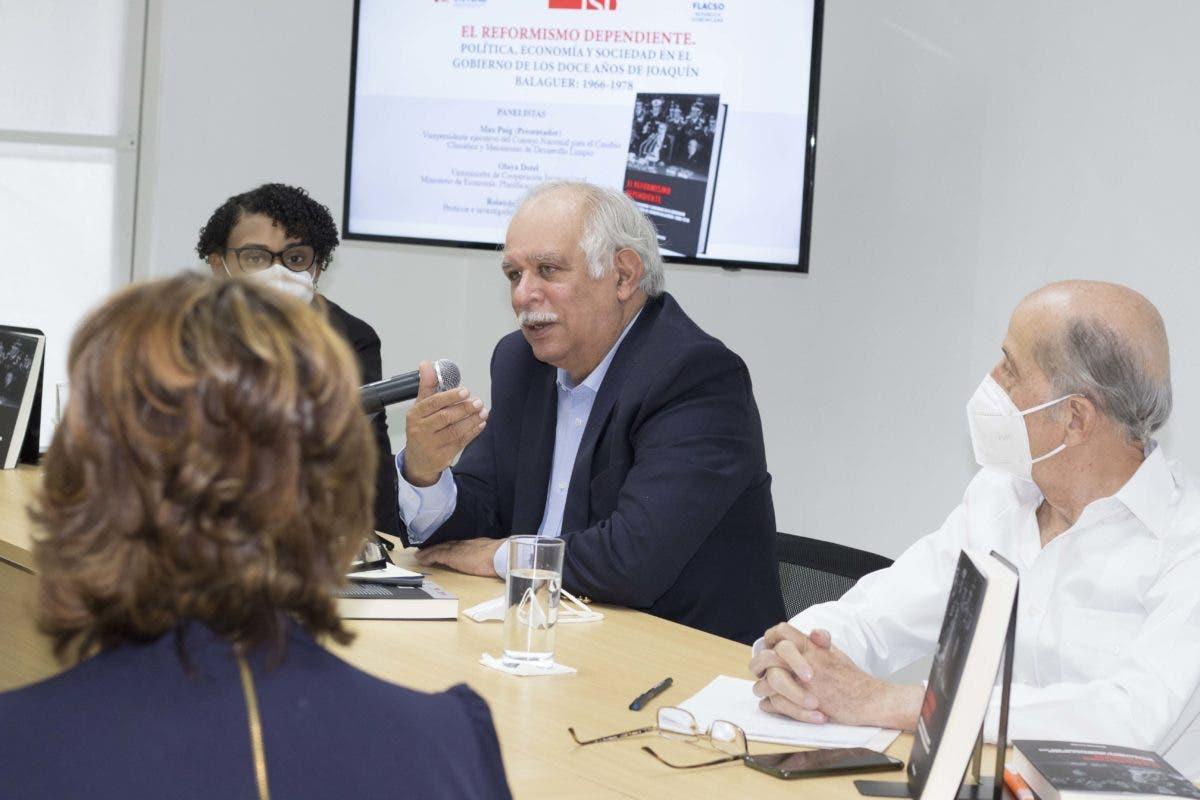 Wilfredo Lozano presenta libro ¨El reformismo dependiente sobre el gobierno de los 12 años de Joaquín Balaguer¨