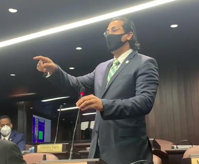 Diputado Félix Morel abandona al PLD