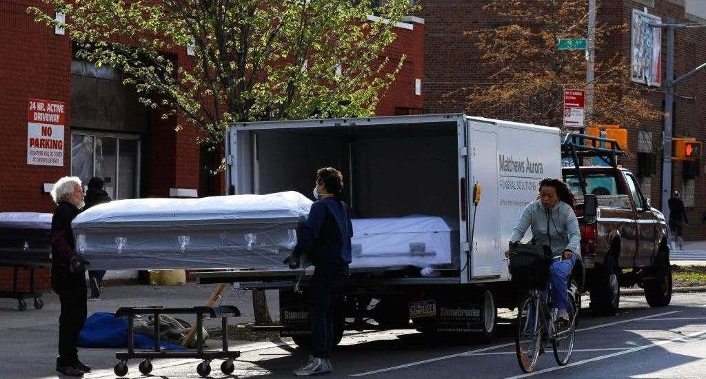 Estados Unidos suma otros 1.700 muertos por covid-19 y acumula 548.052