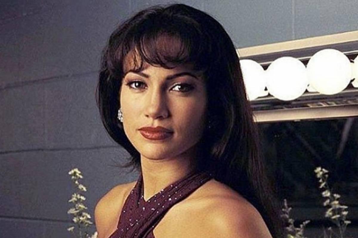 Hoy se cumplen 24 años de la película Selena; JLo lo recuerda