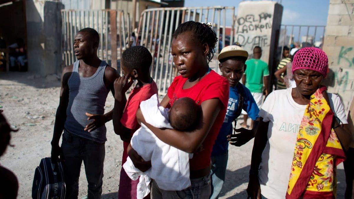 Excluidos de las vacunas, los haitianos sufren nuevo estigma en República Dominicana