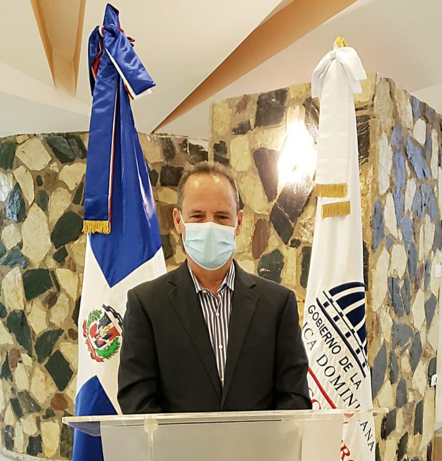 Miguel Minaya solicita ser considerado para dirigir el Mercadom