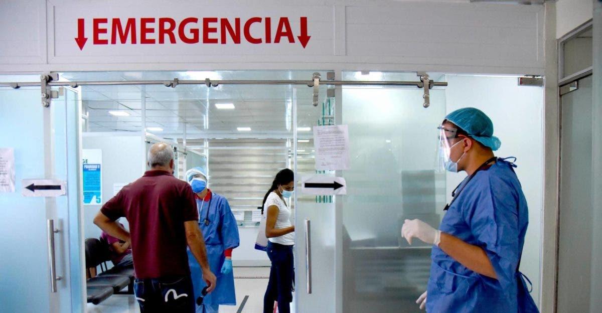 Baja la ocupación de camas para pacientes de covid-19 en clínicas de Santiago