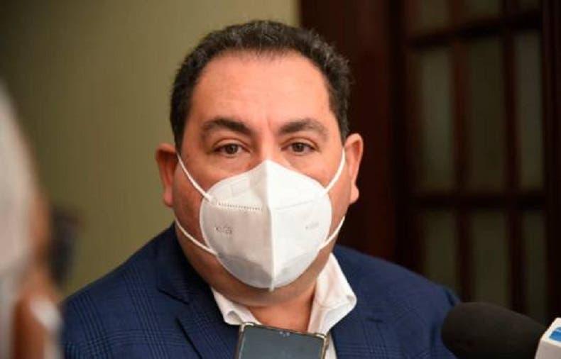 Director SNS dice esperan cargamento vacunas Sinovac lleguen al país en los próximos días