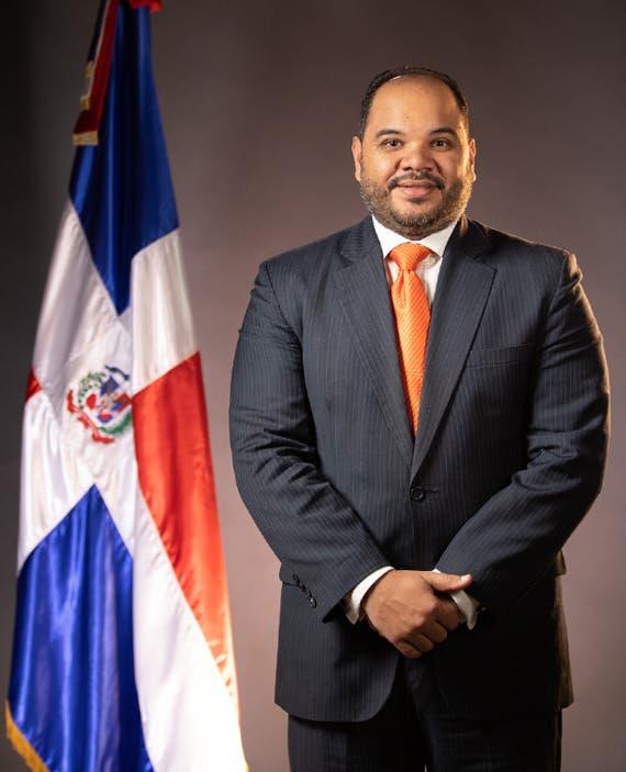 Comisión del Senado presenta a Pablo Ulloa como Defensor del Pueblo