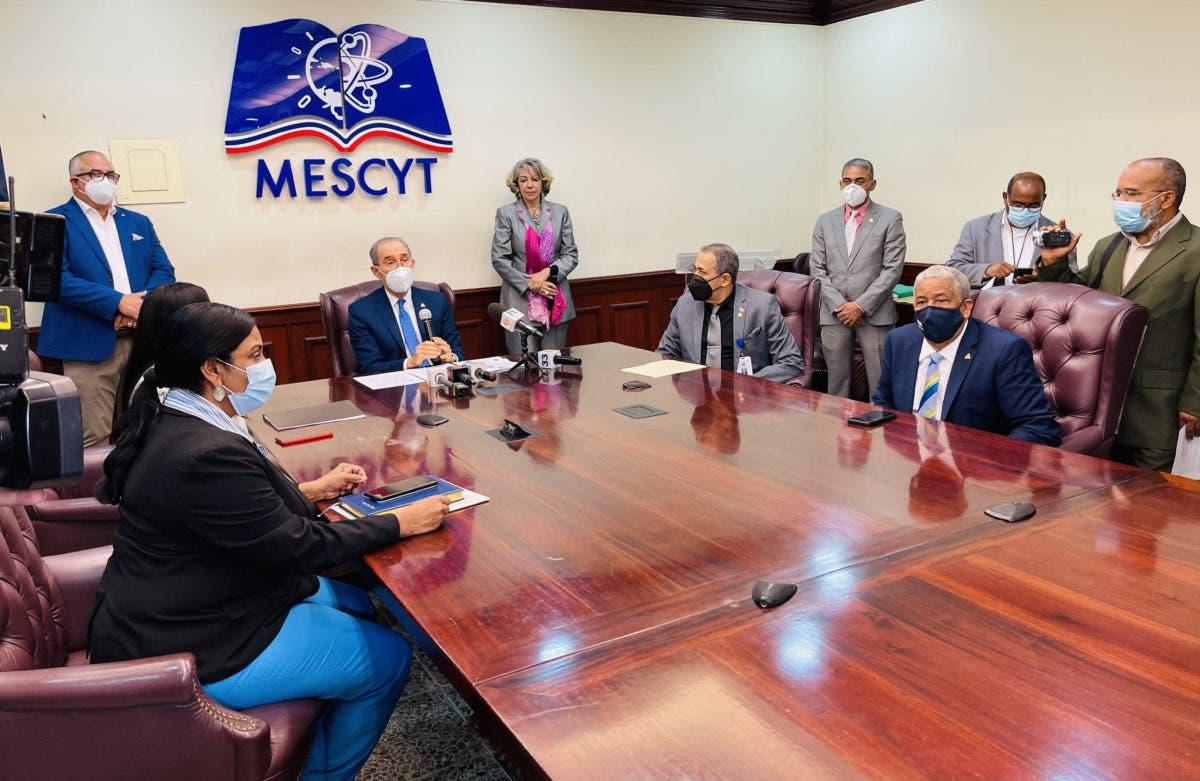 ¿Estás buscando becas? MESCYT abre convocatoria a más de 6,000  en 40 universidades