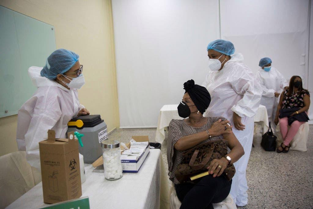 RD casi alcanza los 400 mil vacunados contra el COVID-19