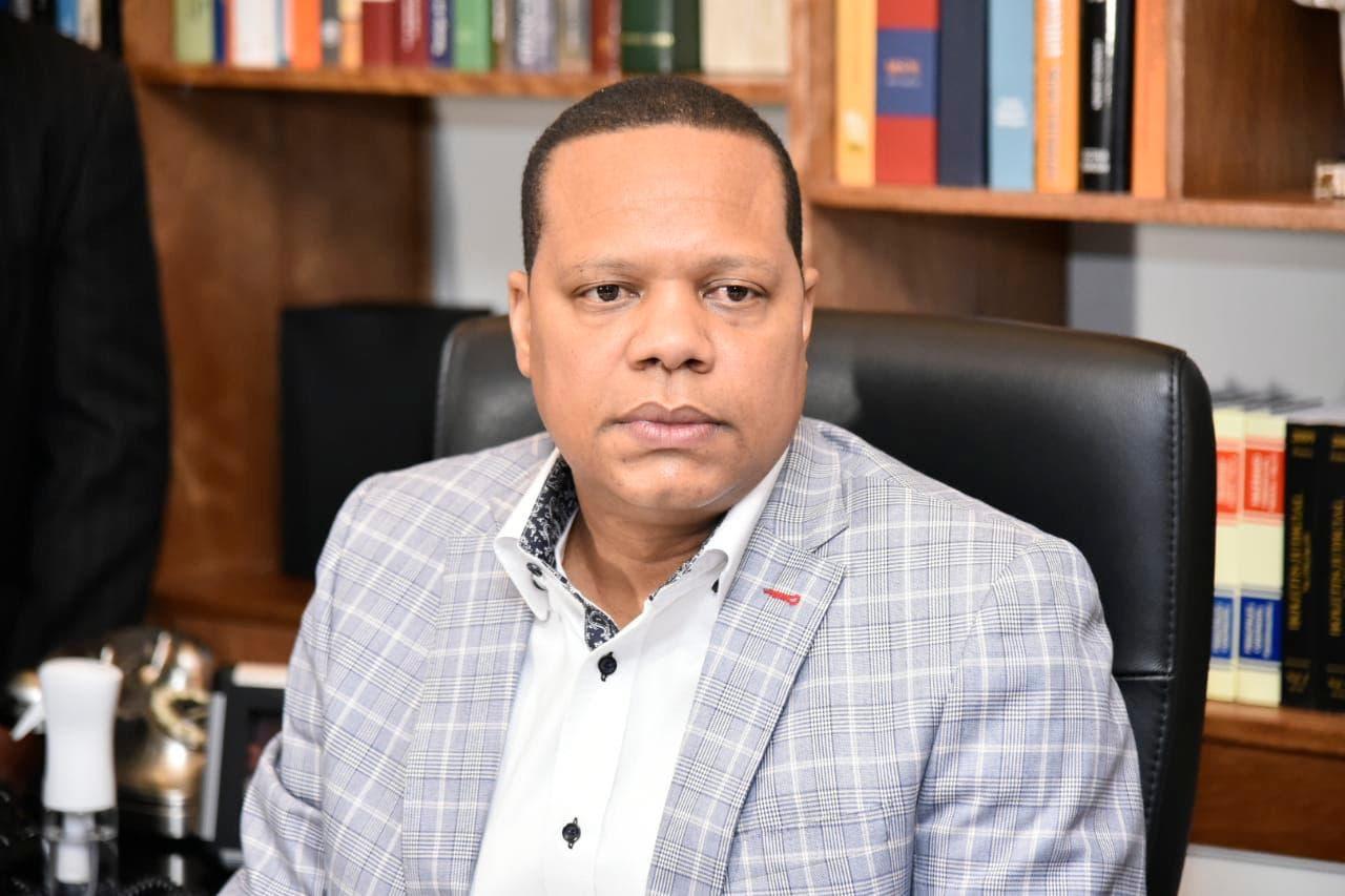 Abinader designa a Eddy Alcántara como director de ProConsumidor