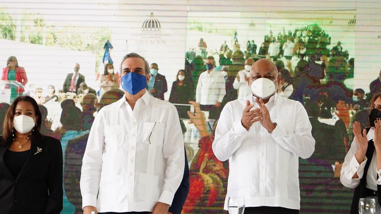 Presidente Abinader y Ministro Fulcar encabezan acto inicio de docencia semipresencial