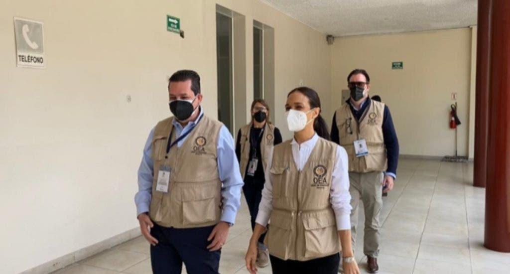 Misión de la OEA ve mayor fluidez en esta segunda vuelta electoral en Ecuador