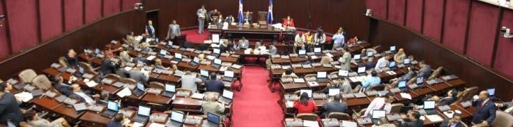 A comisión proyecto de ley para que exempleados sigan cobrando hasta que les paguen prestaciones