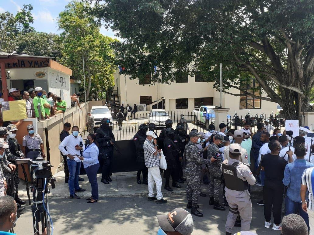 Conocen coerción a policías por muerte de pareja en Villa Altagracia