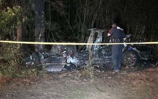 Investigan el accidente mortal de un Tesla sin nadie al volante