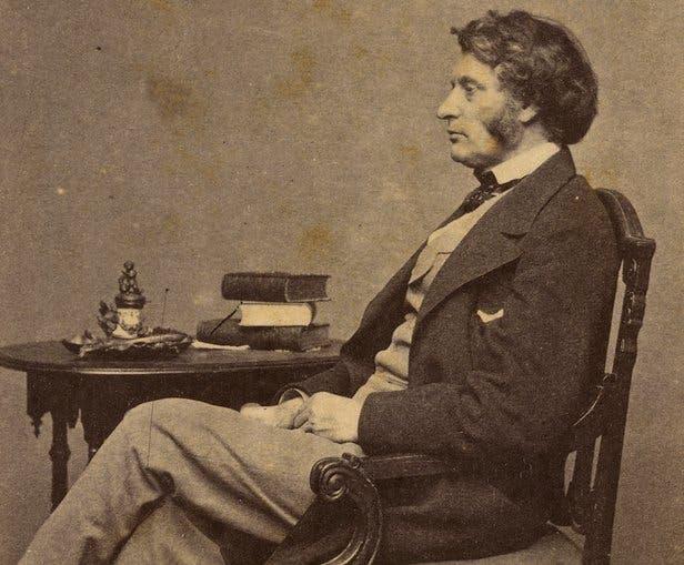 Quién fue Charles Sumner, a propósito de la controversia por quitar su nombre a la avenida