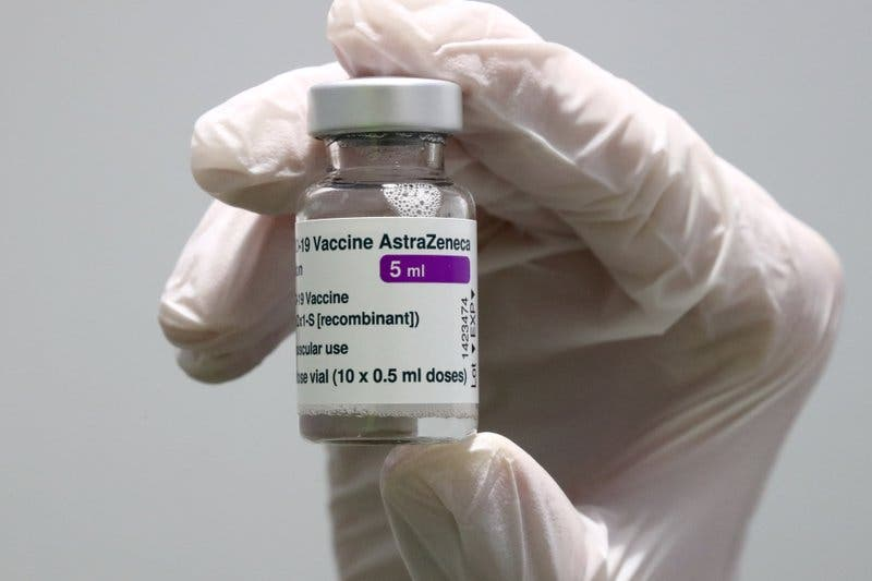 GBretaña pide limitar vacuna de AstraZeneca en menores de 30