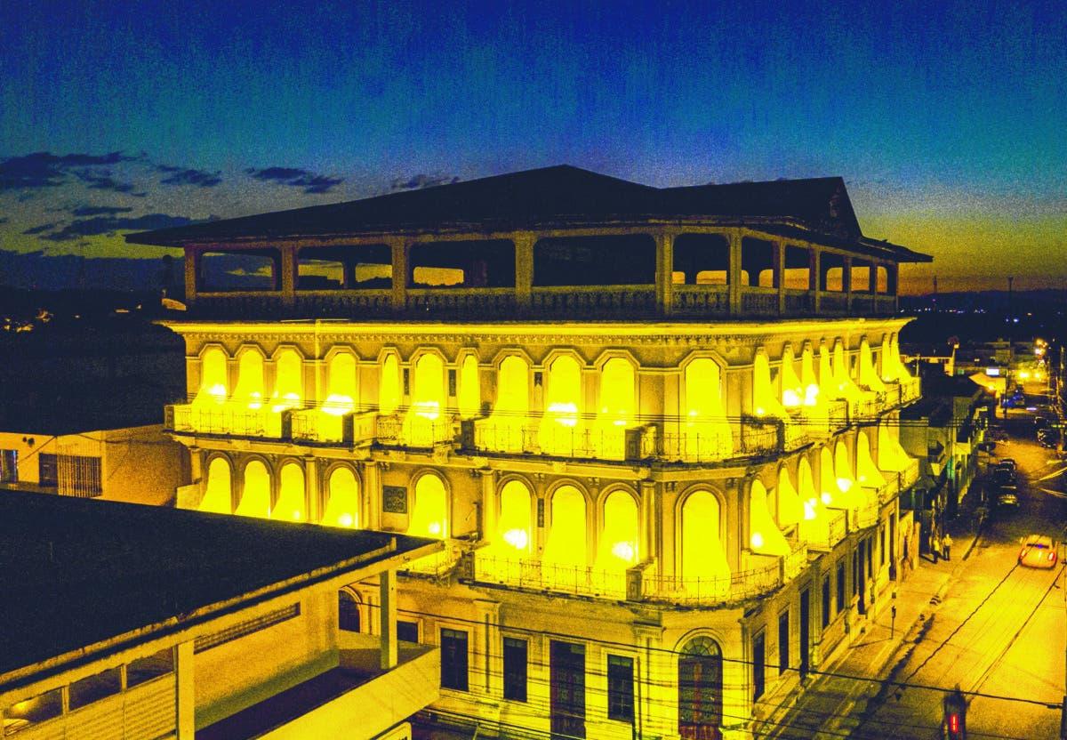¡En el icónico y legendario Hotel Mercedes! ¡RAÚL MORILLA ILUMINA LA MEMORIA!