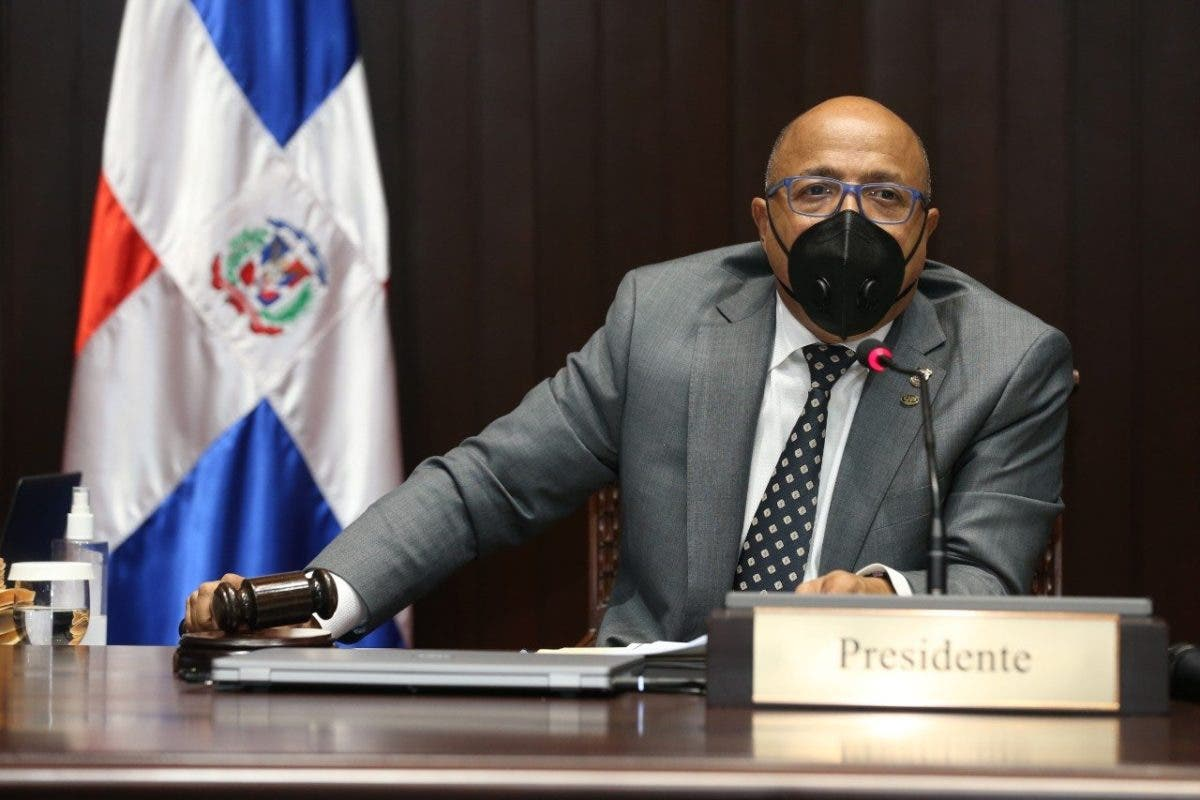 Alfredo Pacheco niega que diputados hayan cedido a chantaje por dejar fuera las causales