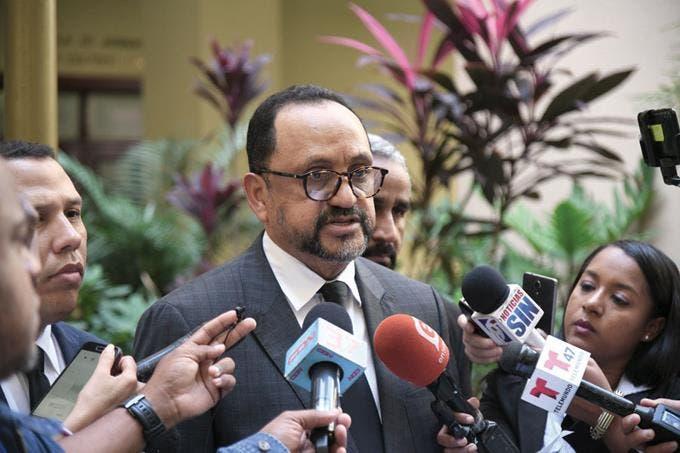 Consultor Jurídico del Ejecutivo defiende comisión para reforma policial