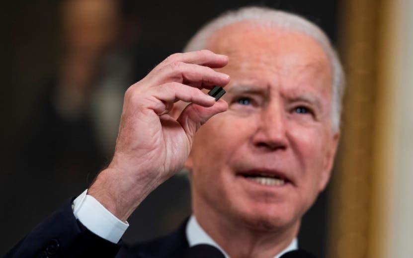 Joe Biden se reúne con fabricantes en busca de una solución a la escasez de chips