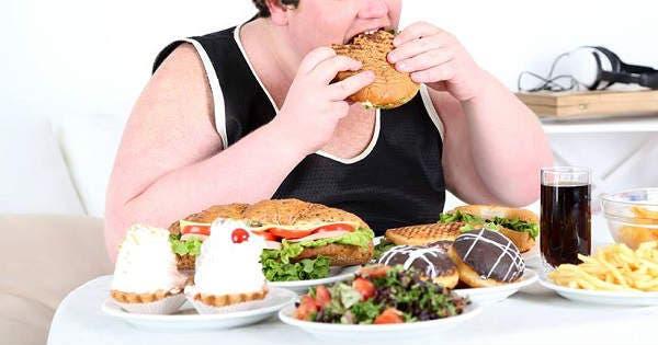 Las harturas de comida no se deben a la impulsividad inducida por el estrés, según estudio
